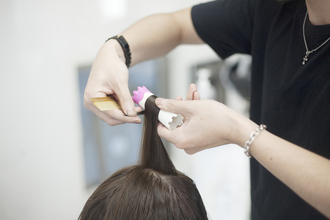 女性の髪のボリュームアップはスプレーいらず「実はパーマで解決できた!」
