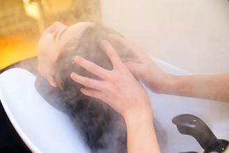 頭皮の臭いや汚れの原因はマッサージで綺麗に除去しましょう!