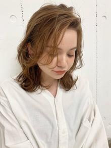 毎日うまく決まらない前髪。そんな悩みもポイントパーマで一発解決!