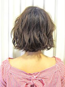 失敗しない!くせ毛や天然パーマを活かしたパーマデザインのコツをお答えします