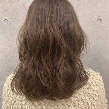 毎日のヘアアイロンと一度のパーマ、どちらが良いの?